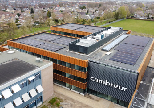 CAMBREUR COLLEGE OPGELEVERD