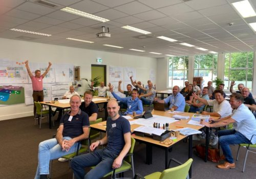 Bouwteam KW2C op training bij Learningwaves